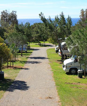 Camping La Tour Fondue EMPLACEMENTS CAMPING CAR ET CARAVANE